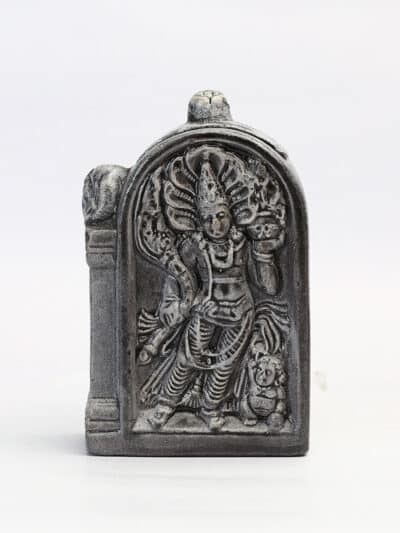 A guard stone black tea box